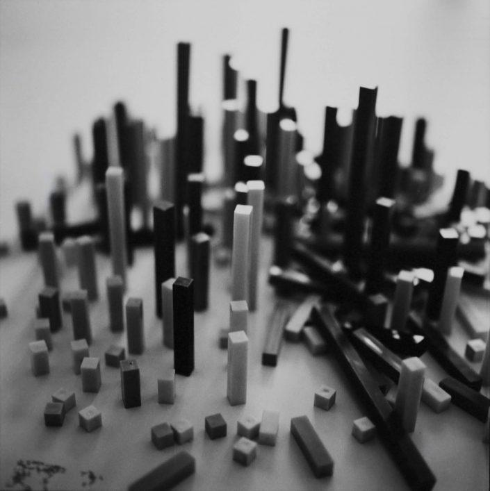 Ville en construction I.- analog film_gelatin silver print 11,5x11,5 cm(2021)- closed series (1_1)